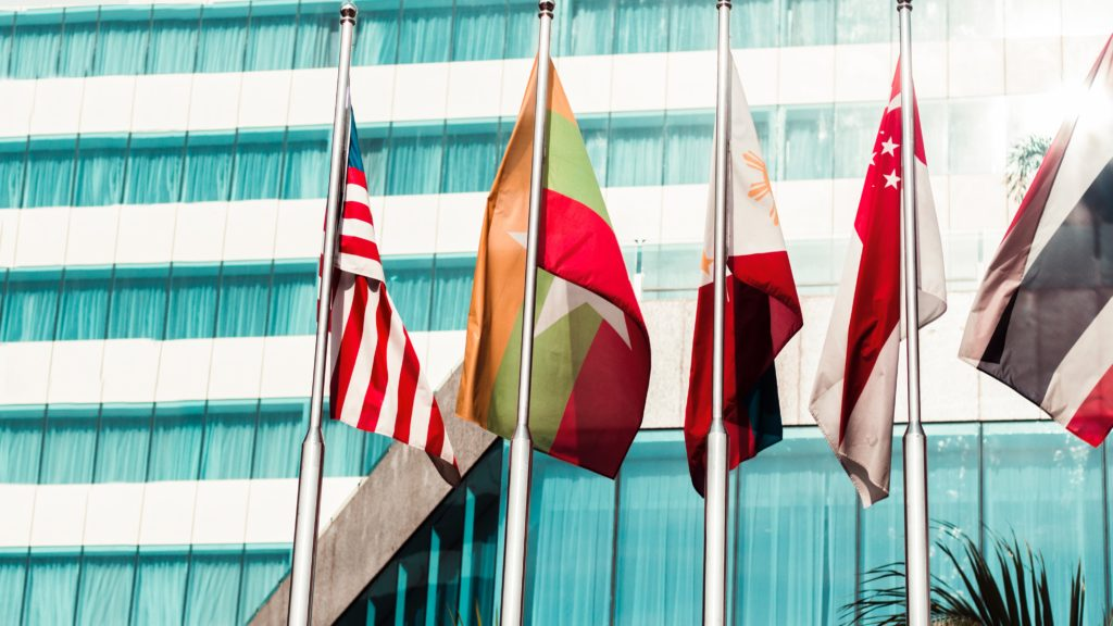 4 ways to sell your products and services on international markets